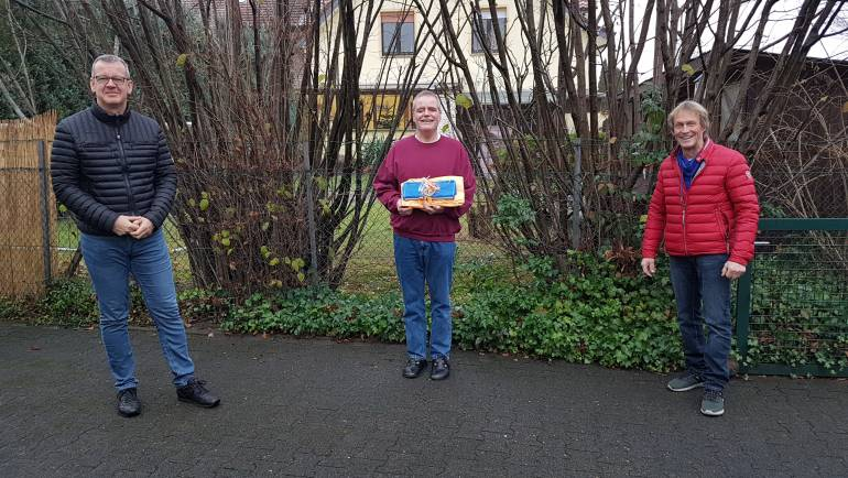 Präsente für Finisher Uwe Herzog